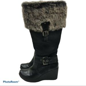Black leather faux fur wedge boots Size 9